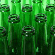 lege groene flesjes