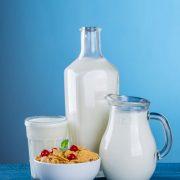kannen en glas melk