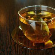 kopje thee met theézakje
