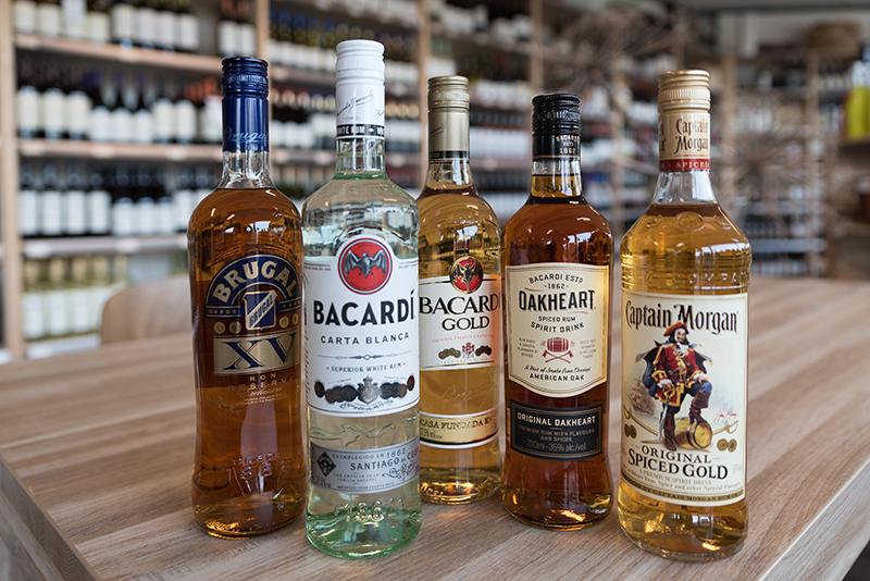 Flessen Rum